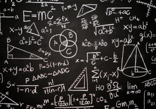 Laboratório de Métodos Quantitativos: professores atendem alunos on-line