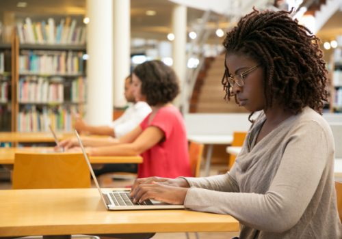 FECAP tem cursos de extensão rápidos on-line em maio