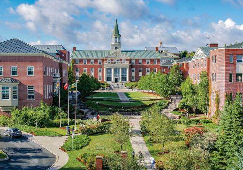 Webinar apresenta programa de intercâmbio de universidade canadense a alunos da FECAP