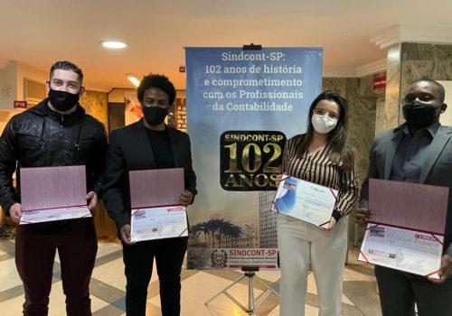 Alunos da FECAP ficam em 2º lugar no Prêmio Professor Hilário Franco de Contabilidade