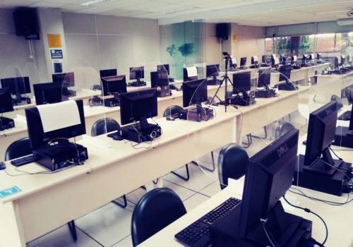Laboratórios do Colégio FECAP passam por readaptação para receber alunos