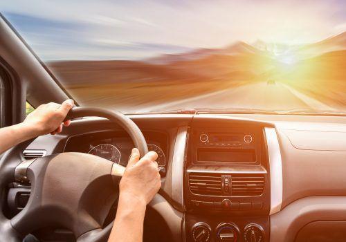 Por que está tão difícil conseguir uma corrida por aplicativo atualmente? A resposta pode estar nos custos impostos aos motoristas, diz economista